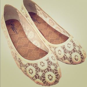 Girly Chic! Sz 7.5 Lace Lucky Brand Ballet Flats